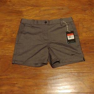⛳ NWT! Girls Nike Golf Shorts